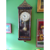 Настенные часы в технике буль