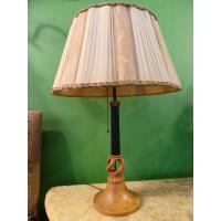 Настольная лампа из натурального дерева