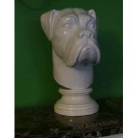 Скульптура, голова собаки.