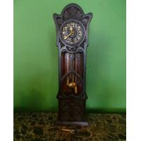 Необычные настольные часы
